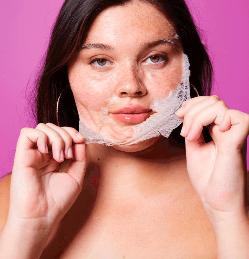 model peeling off face mask