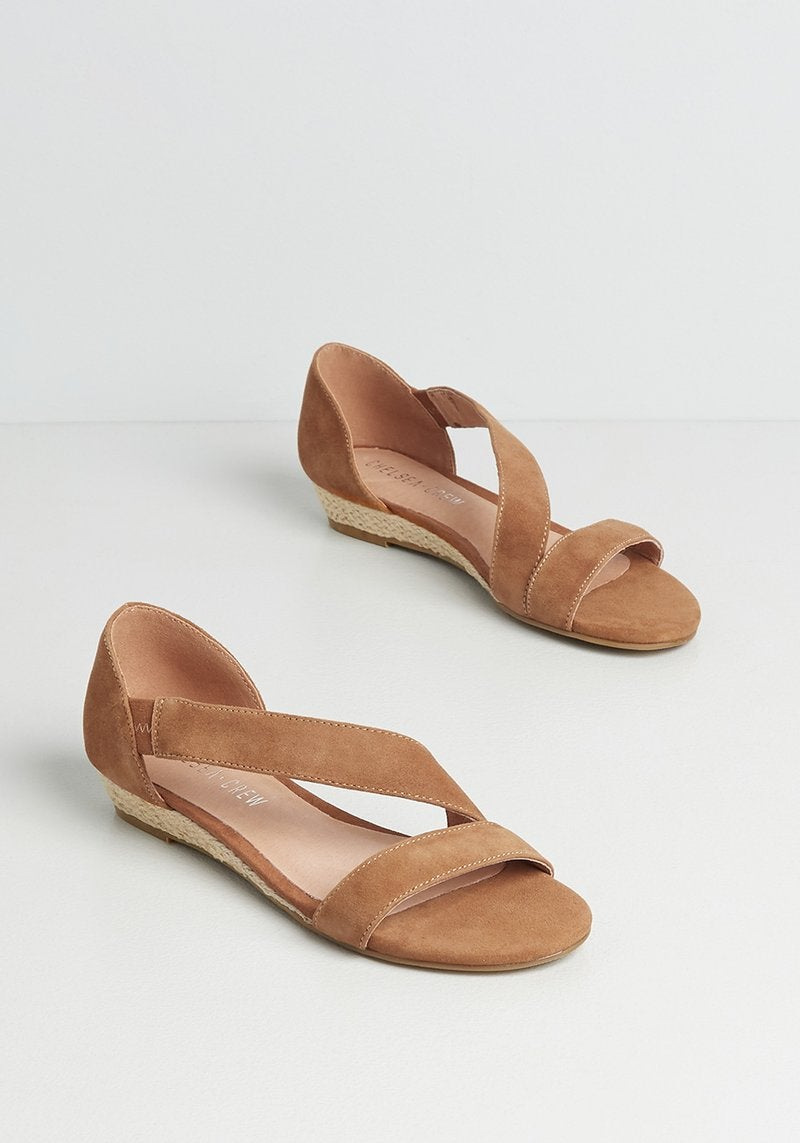 flat sandals with a diagonal strap in tan