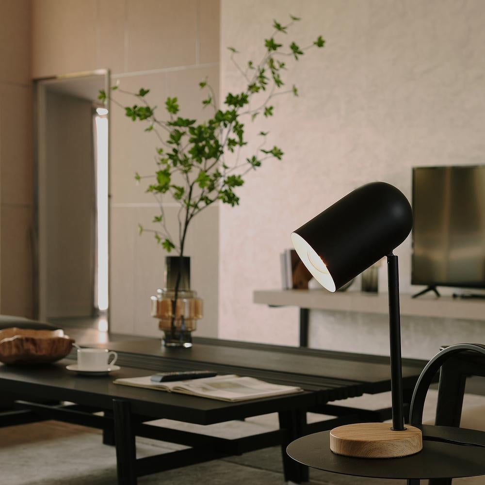 the black desk lamp with wood base