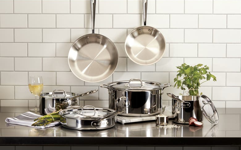 the stainless steel cookware set with pots and pans