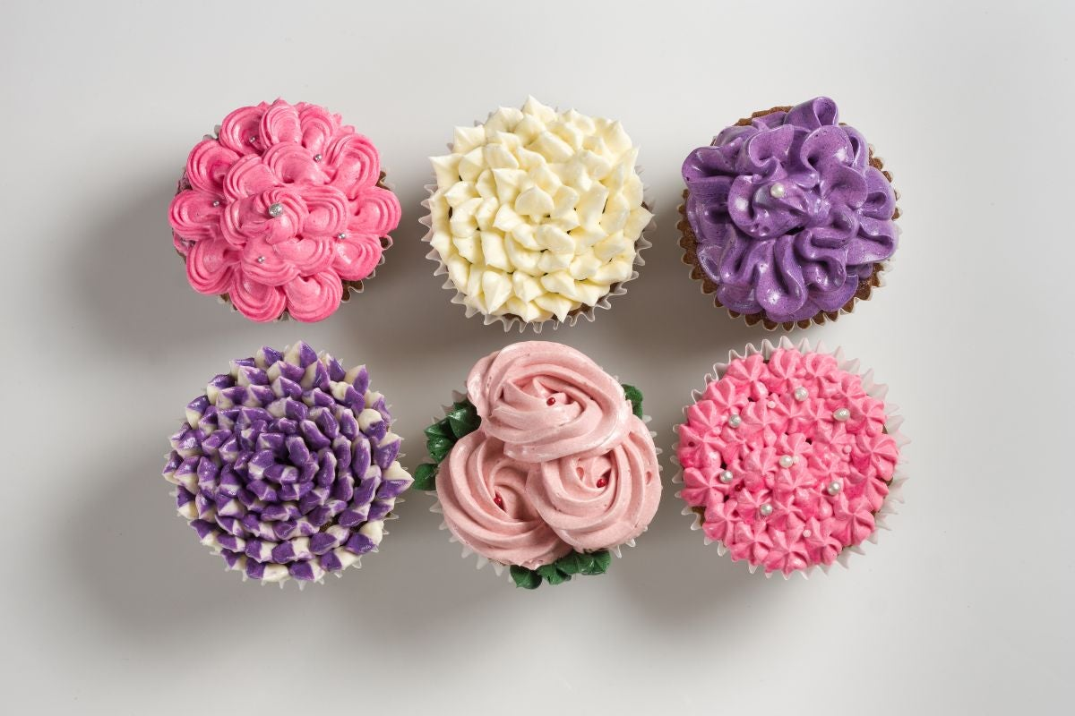 Cupcakes decorated to look like flowers