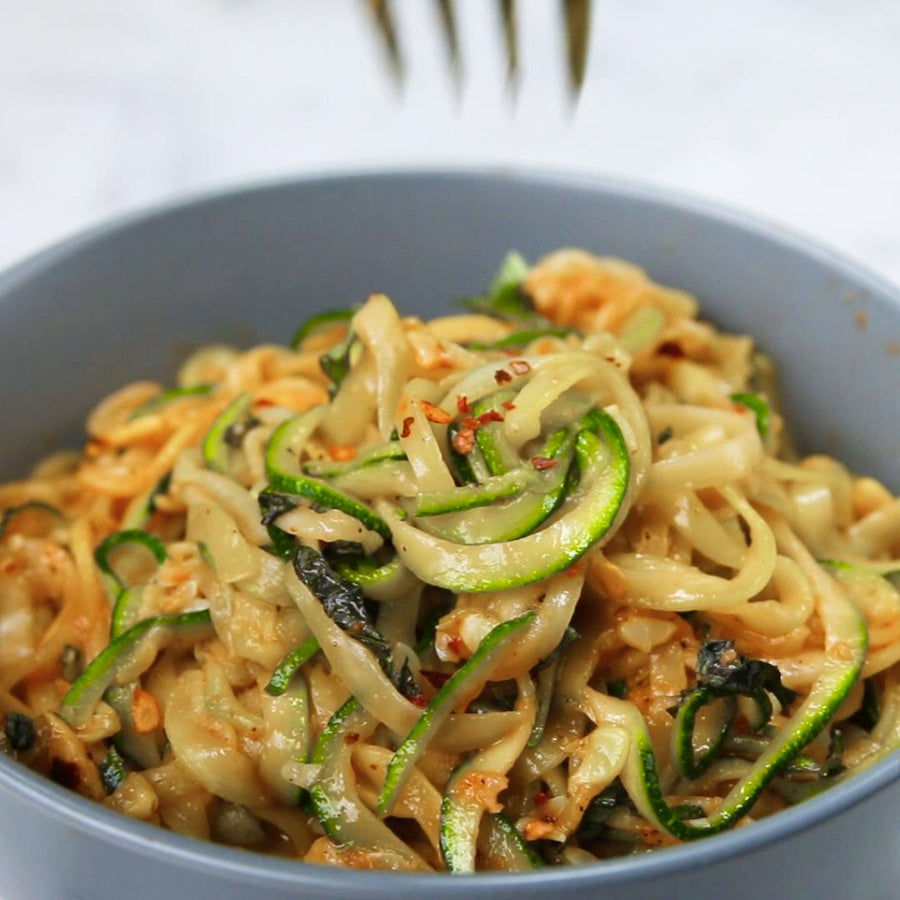 Summer Squash Pasta With Roasted Red Pepper Sauce