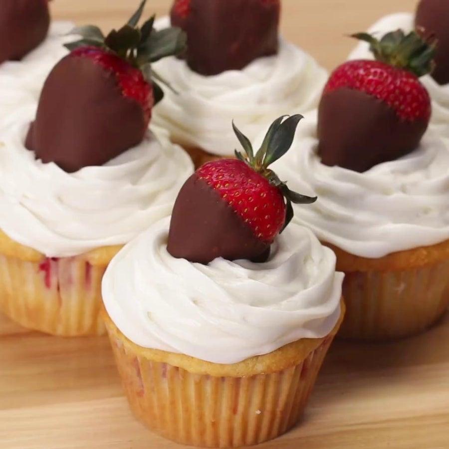 Chocolate-covered Strawberry 'Box' Cupcakes