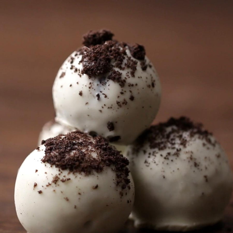 Cookies & Cream Truffles Easy Dessert