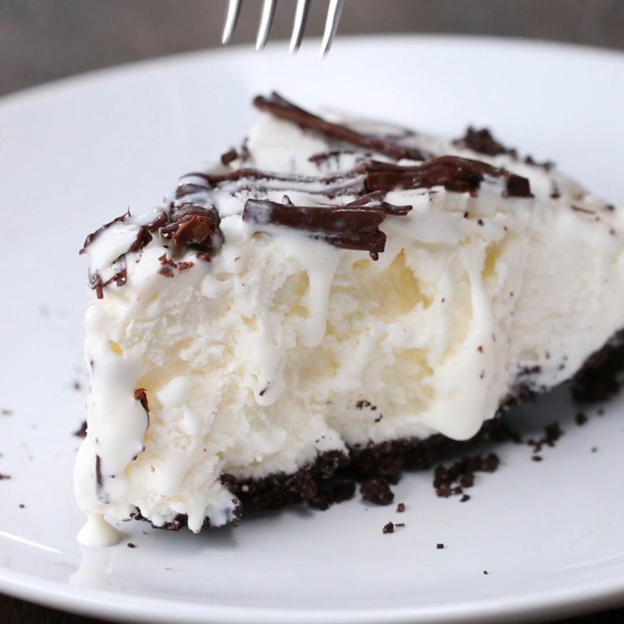 3-ingredient Cookies & Ice Cream Pie