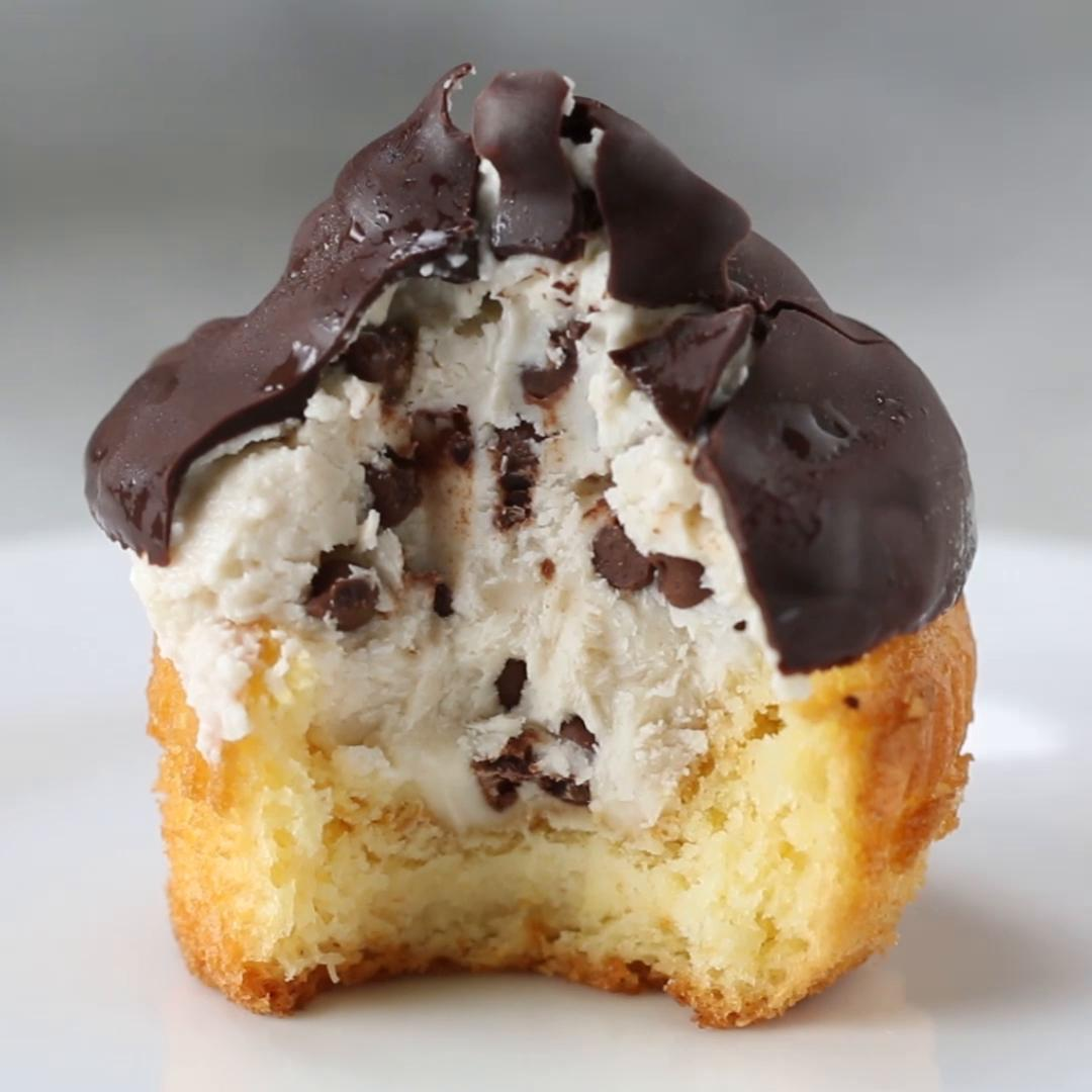 Chocolate Dipped Cannoli Cupcakes Recipe By Tasty
