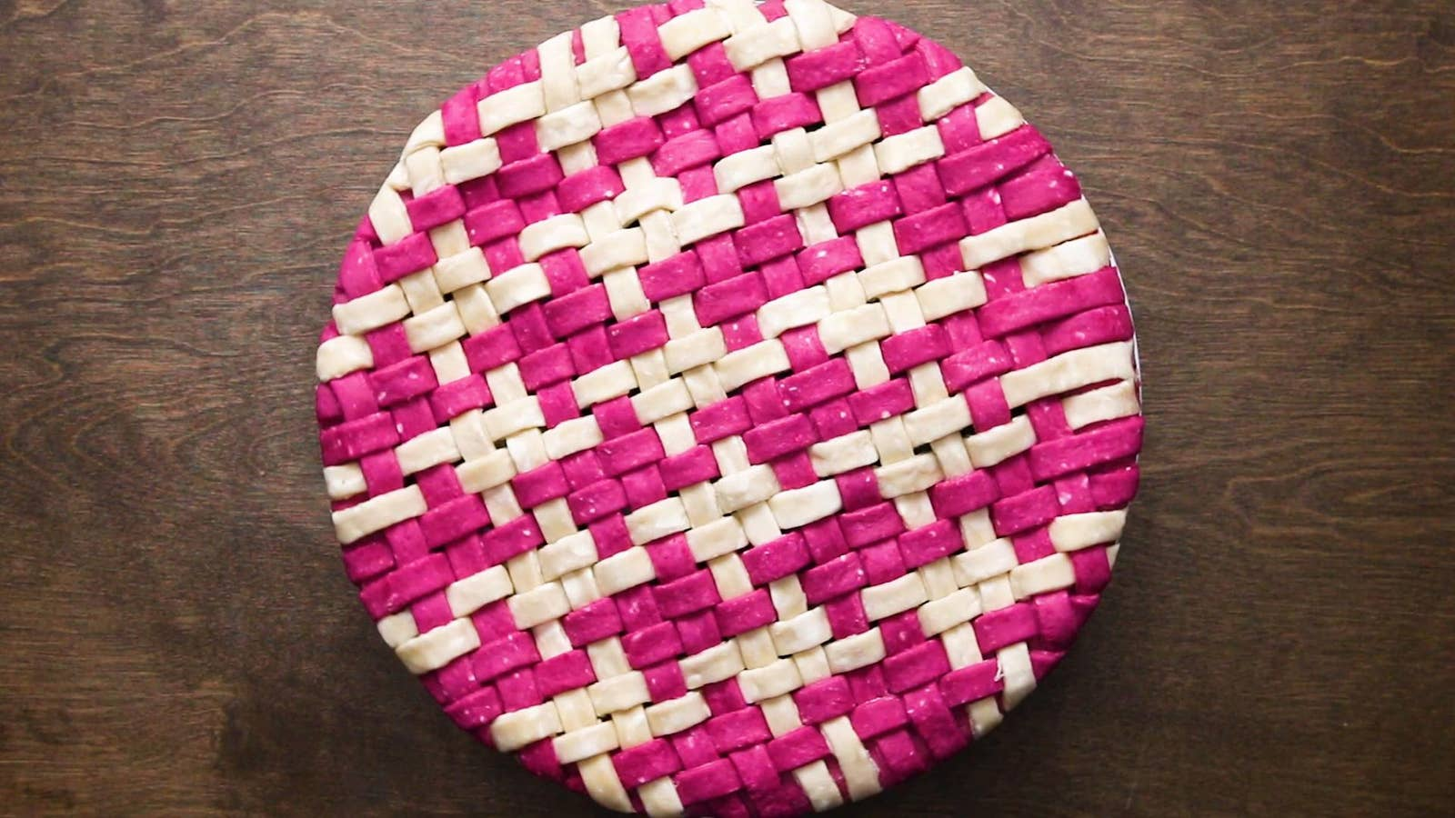 Two-Colored Woven Pie