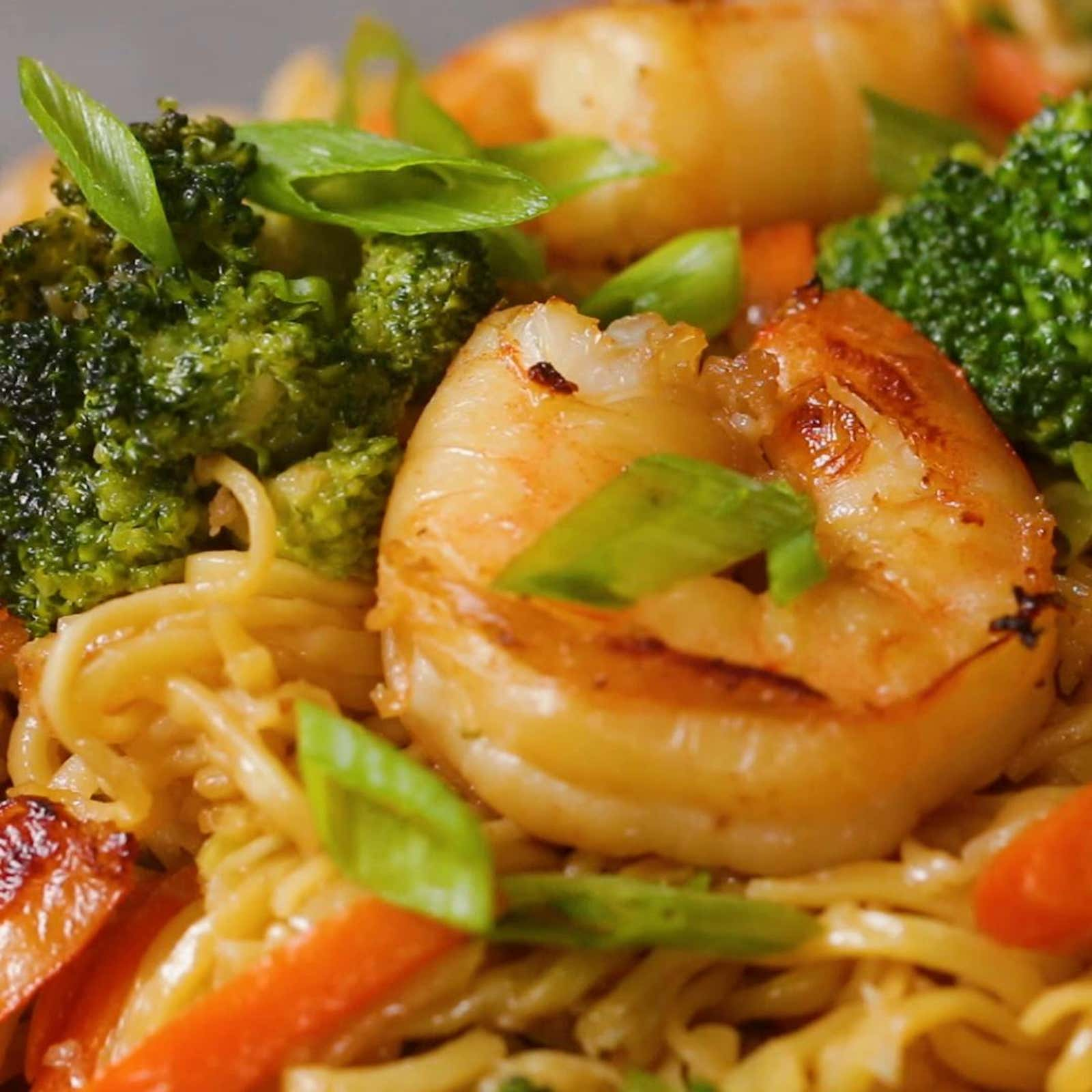 Honey-Garlic Shrimp Chow Mein