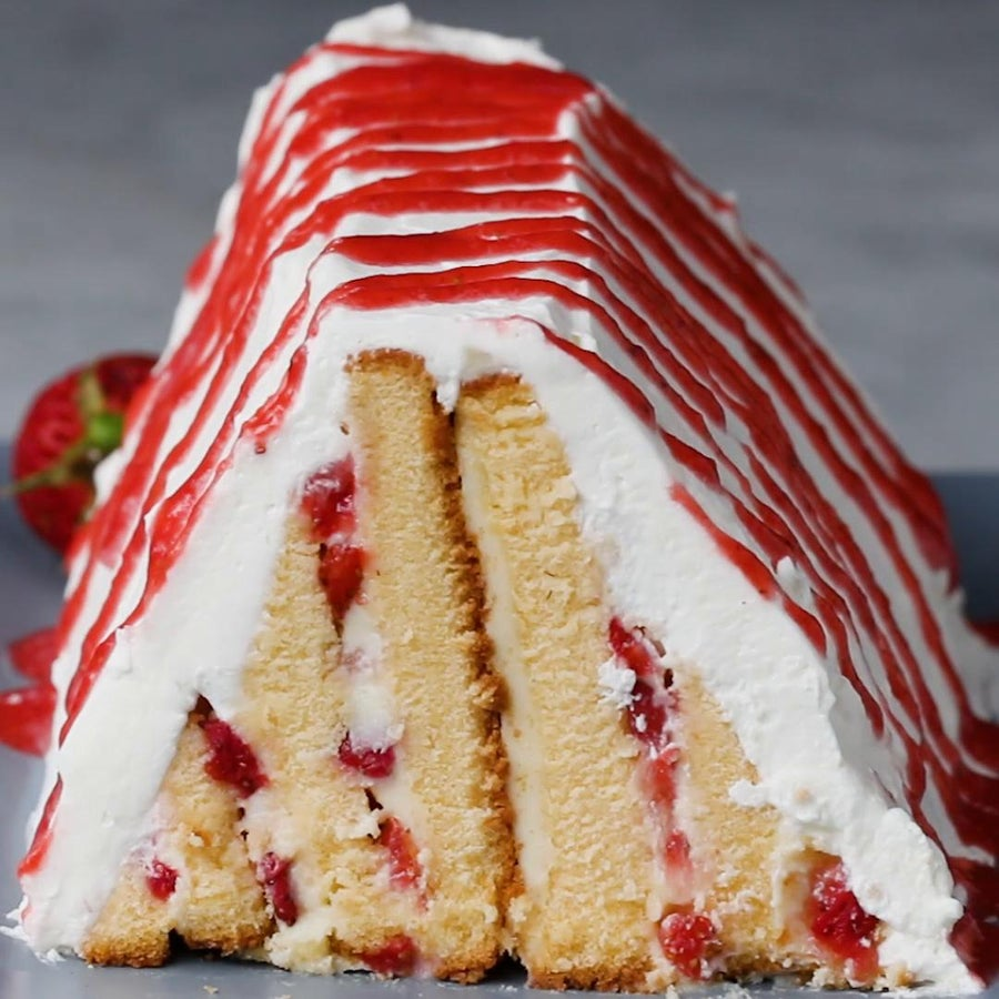 Strawberries 'N' Cream Pyramid Cake