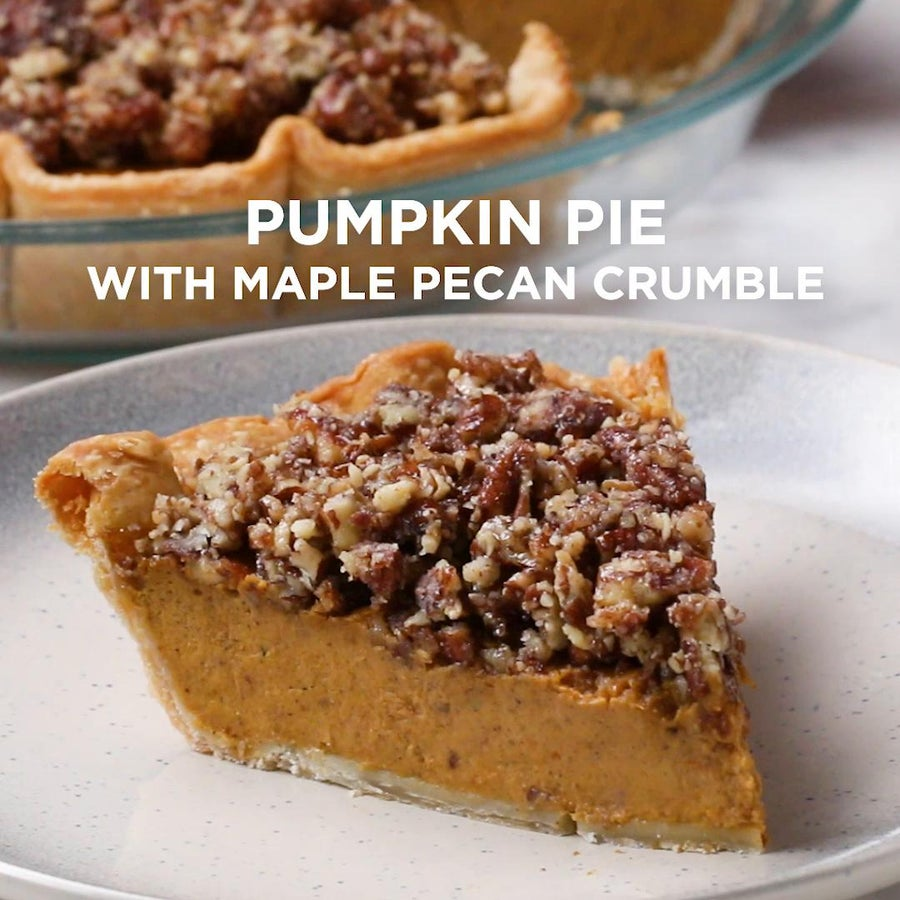 Pumpkin Pie With Maple Pecan Crumble
