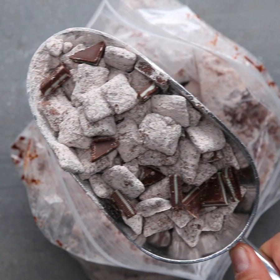 Mint Chocolate Snack Mix