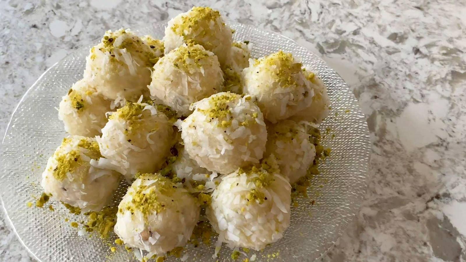 5-Ingredient Coconut Ladoos