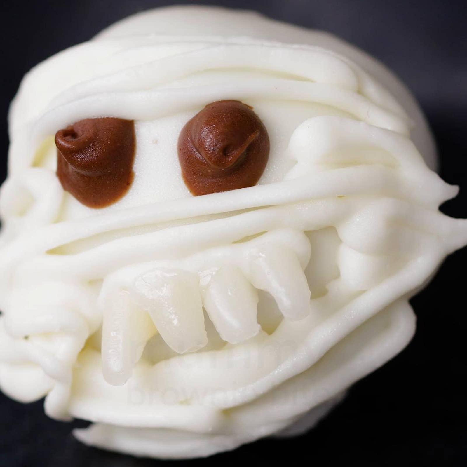 Mummy 'Box' Brownie Bites