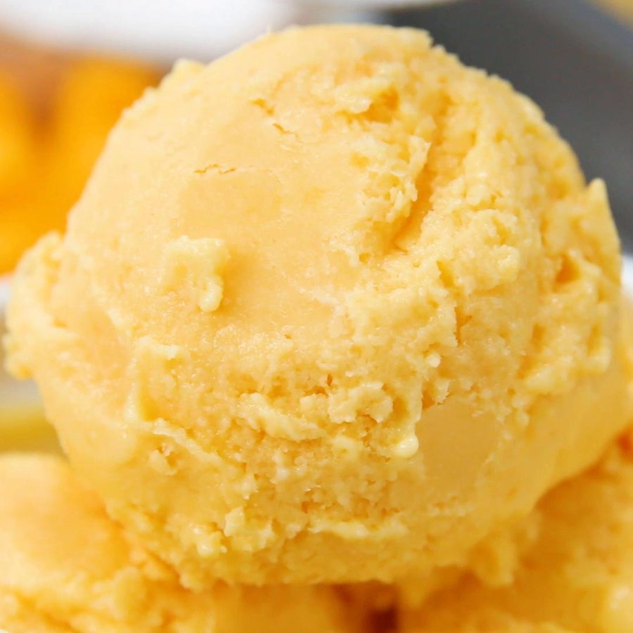Healthy Mango Coconut Frozen Yogurt