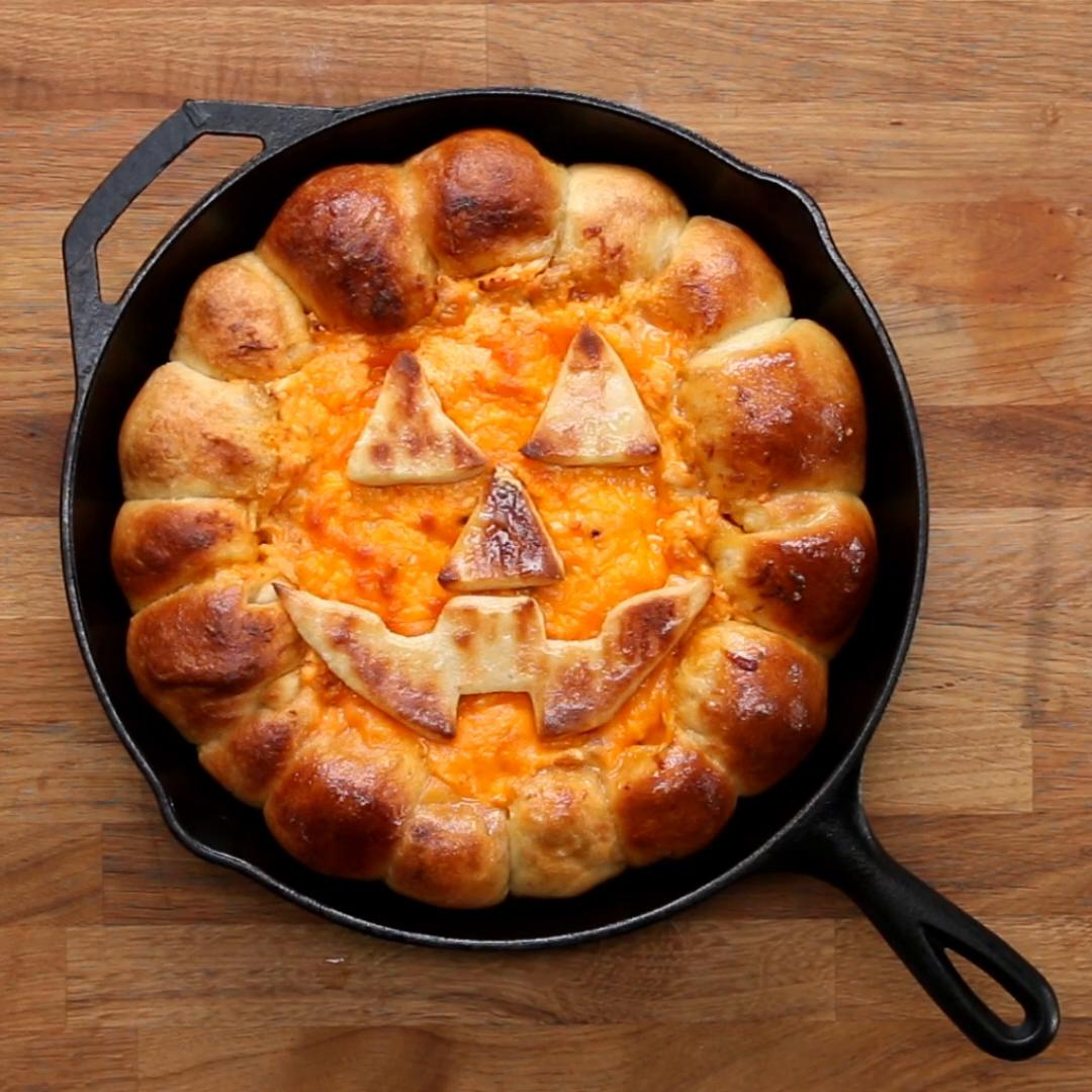 halloween buffalo chicken skillet dip recipetasty