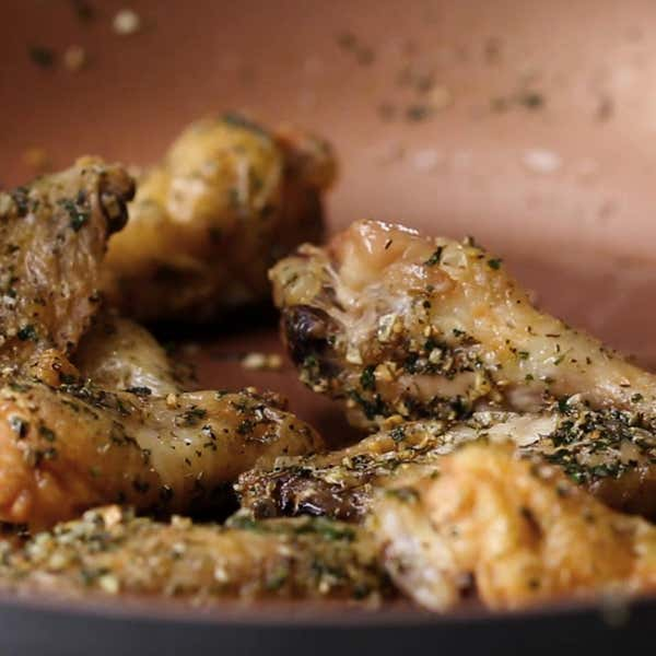 Oven baked chicken wings 4 ways recipes garlic herb baked wings forumfinder Images