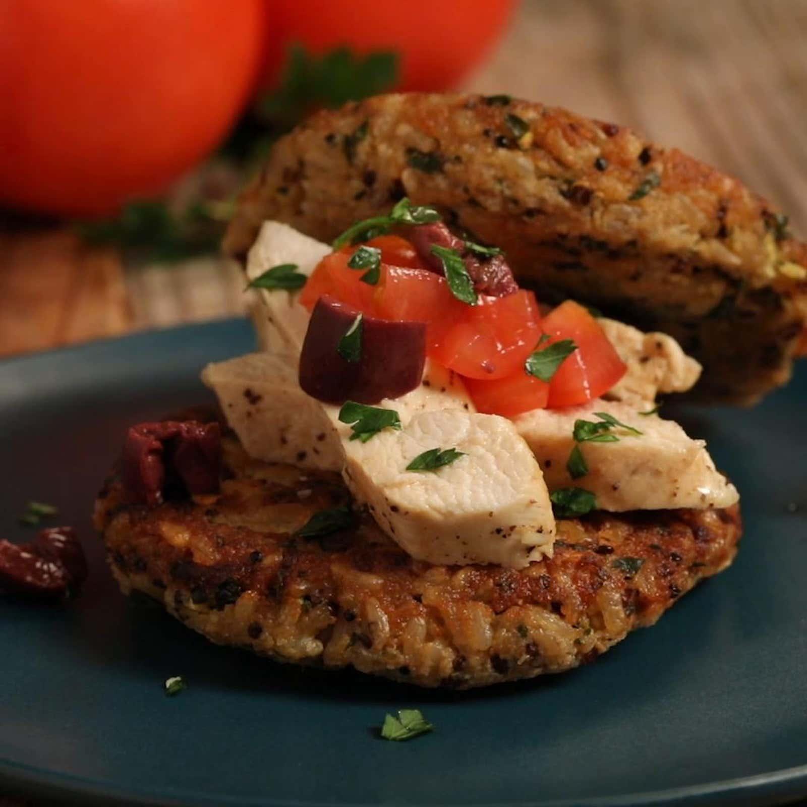 Organic Quinoa Rice Cakes With Mediterranean Chicken