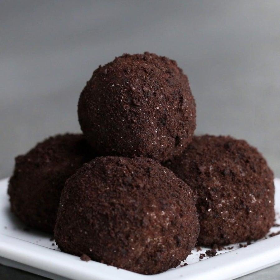 Cookies & Cream Brigadeiros