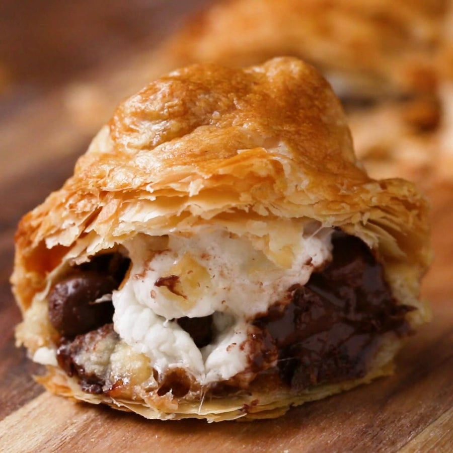 Sweet Puff Pastry Pockets