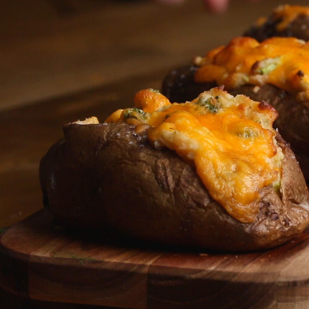 Broccoli Cheddar Baked Potato Recipe By Tasty