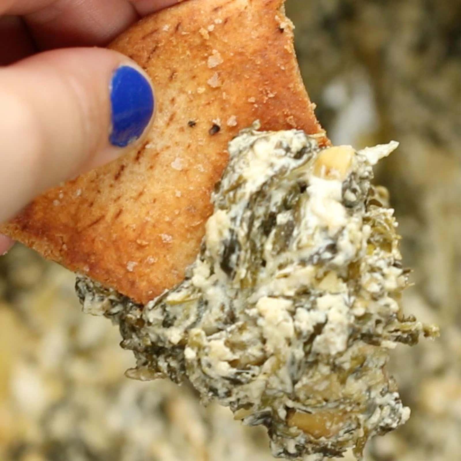 Healthy Slow Cooker Spinach Artichoke Dip