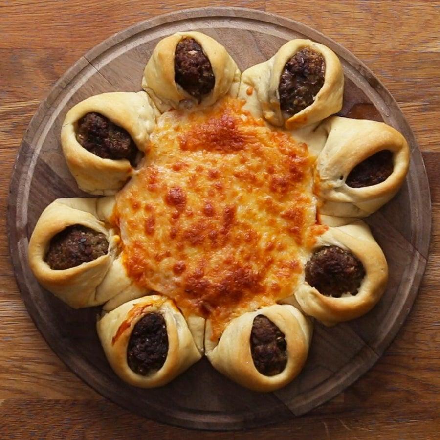 Meatball-Stuffed Crust Pizza Star