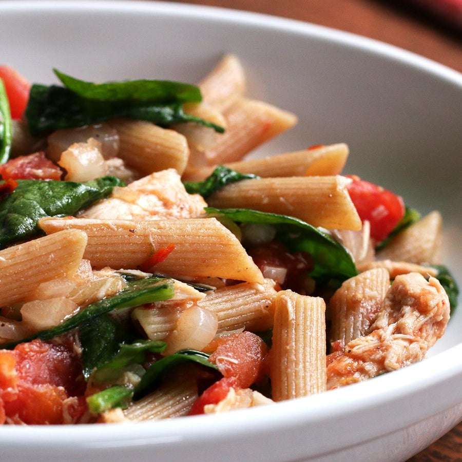 One-Pot Spinach And Tomato Pasta