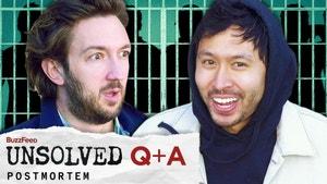 这是巴蒂尔和Ryan的照片。巴蒂尔在他的脸上和Ryan在笑愣了一下。