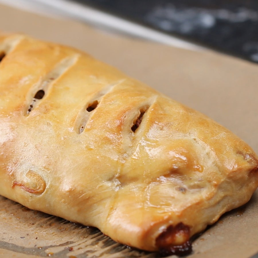 Sausage, Onion, and Peppers Pizza Roll