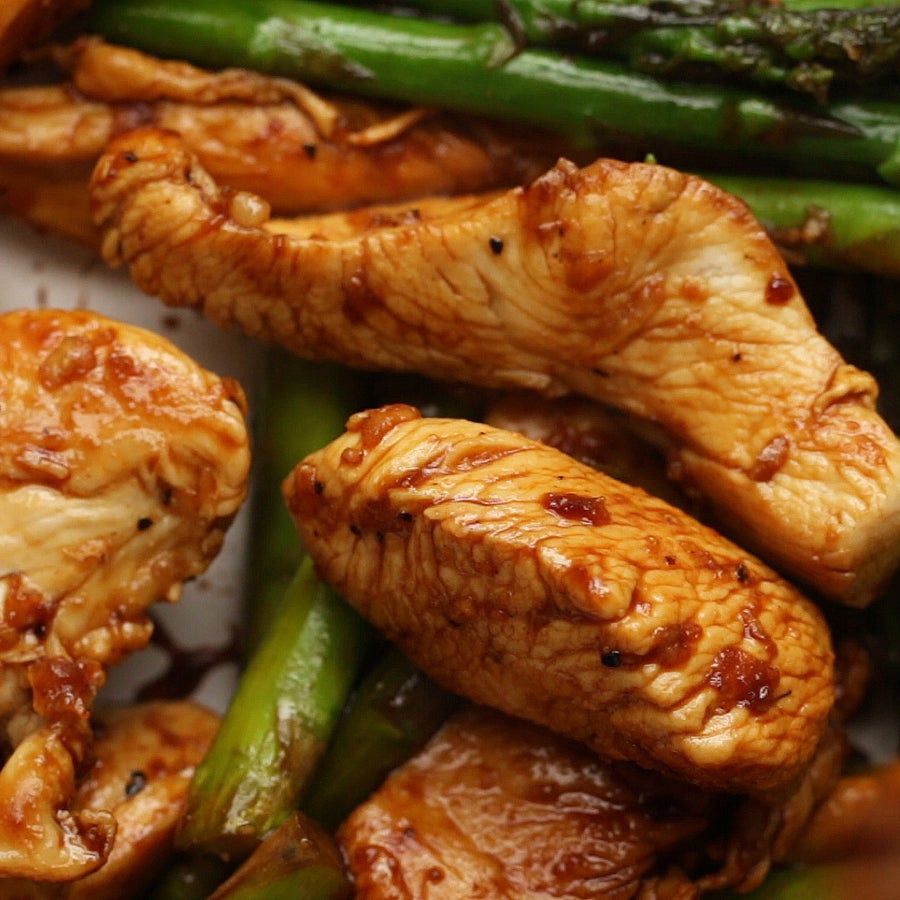 Lemon Chicken And Asparagus Stir-Fry (Under 500 Calories)