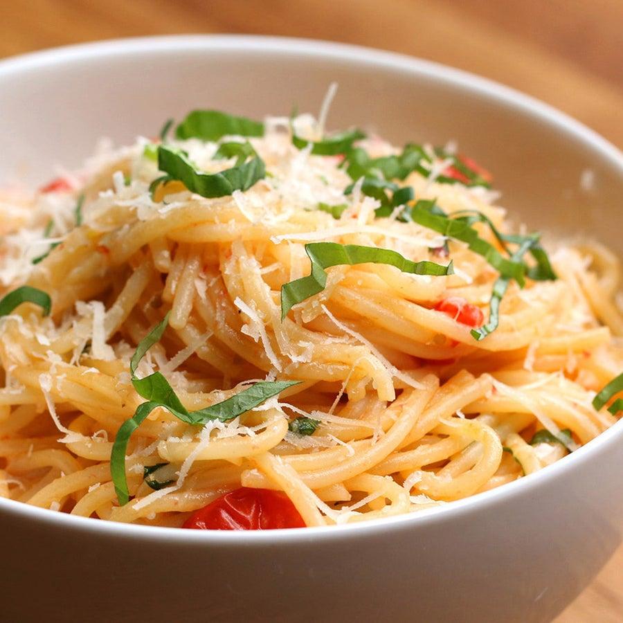 Spaghetti With Fresh Tomato Sauce Pasta