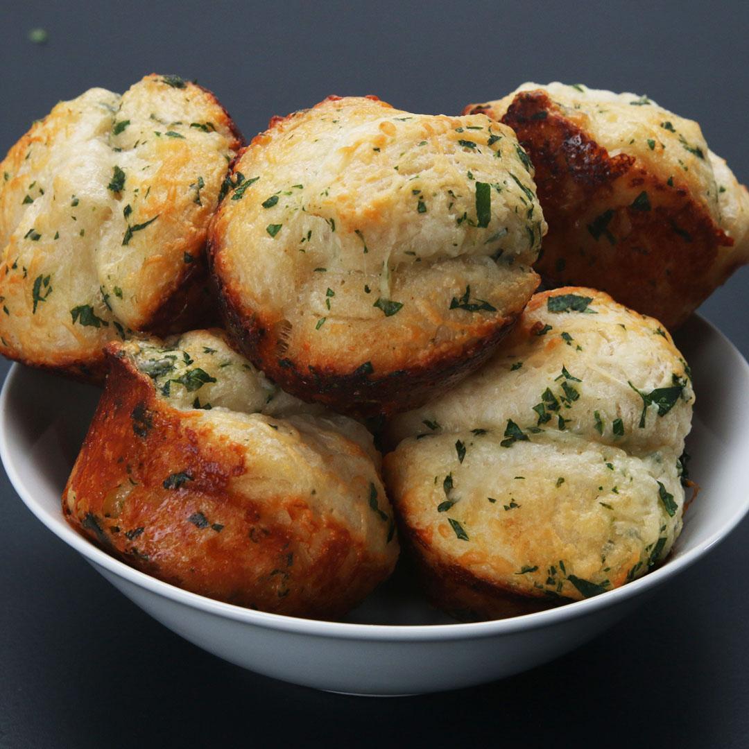 Pull-Apart Garlic Rolls Recipe By Tasty