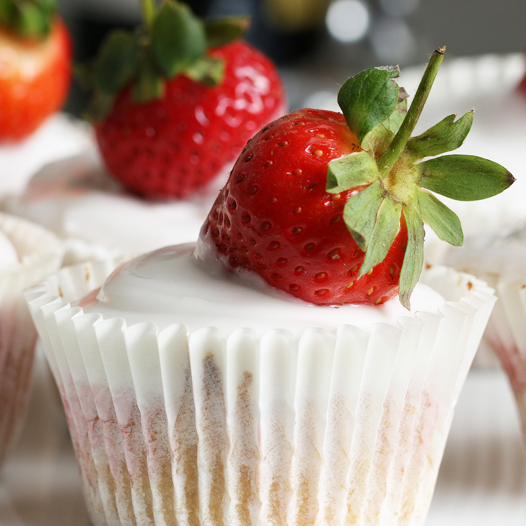 Strawberry And Champagne Cupcakes Recipe By Tasty